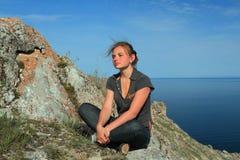 Adolescente en la tapa Foto de archivo libre de regalías