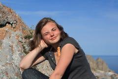 Adolescente en la tapa Fotografía de archivo libre de regalías
