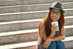 Adolescente en las escaleras Fotografía de archivo libre de regalías