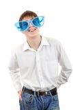 Adolescente en los vidrios de Big Blue Fotos de archivo libres de regalías