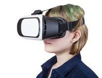 Adolescente en los vidrios de la realidad virtual aislados Foto de archivo libre de regalías