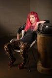Adolescente en medias de la piel del leopardo Foto de archivo