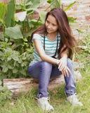 Adolescente en naturaleza Imagen de archivo