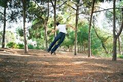 Adolescente en parque Imagenes de archivo