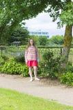 Adolescente en parque del verano Fotografía de archivo libre de regalías
