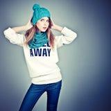 adolescente en ropa del invierno Foto de archivo libre de regalías