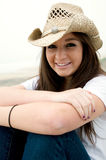 Adolescente en sombrero occidental Imagen de archivo