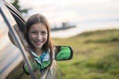 Adolescente en un día de veranos del viaje por carretera Imagen de archivo libre de regalías