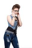 Adolescente en un vestido azul del dril de algodón Fotos de archivo