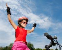Adolescente en una bicicleta Imagenes de archivo