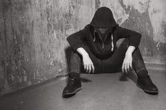 Adolescente en una depresión profunda Fotografía de archivo libre de regalías