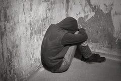 Adolescente en una depresión profunda Imagenes de archivo