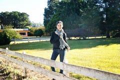 Adolescente en una granja Imágenes de archivo libres de regalías