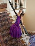 Adolescente en vestido de lujo Fotos de archivo libres de regalías