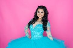 Adolescente en vestido del baile de fin de curso Fotografía de archivo libre de regalías