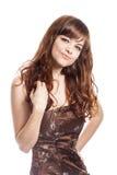 Adolescente en vestido marrón Aislado sobre el fondo blanco Fotografía de archivo