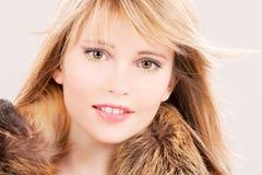 Adolescente encantador en piel Foto de archivo libre de regalías