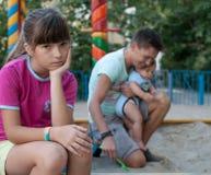 Adolescente enfadado con su familia Fotografía de archivo libre de regalías