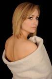Adolescente envuelto en toalla Imagenes de archivo