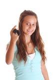 Adolescente feliz con clave del coche Foto de archivo libre de regalías