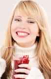 Adolescente feliz con el atasco de frambuesa Fotografía de archivo