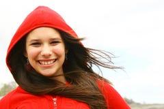 Adolescente feliz con el capo motor Imágenes de archivo libres de regalías