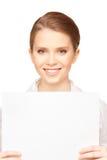 Adolescente feliz con el tablero en blanco Imagen de archivo libre de regalías