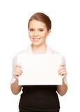 Adolescente feliz con el tablero en blanco Fotografía de archivo