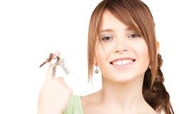 Adolescente feliz con llaves Foto de archivo libre de regalías