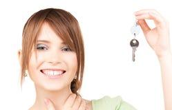Adolescente feliz con llaves Imagen de archivo libre de regalías
