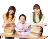 Adolescente feliz con muchos libros Foto de archivo libre de regalías