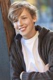 Adolescente feliz del niño masculino del muchacho Imagen de archivo libre de regalías