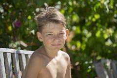 Adolescente feliz del retrato al aire libre Fotografía de archivo