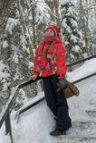 Adolescente feliz en el paisaje de la nieve Imágenes de archivo libres de regalías