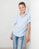 Adolescente feliz en el schoool Foto de archivo