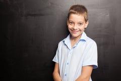 Adolescente feliz en el schoool Fotos de archivo libres de regalías