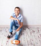 Adolescente feliz en el schoool Fotos de archivo