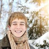 Adolescente feliz en invierno Imagen de archivo
