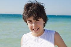 Adolescente feliz en las playas Imagenes de archivo