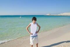 Adolescente feliz en las playas Fotografía de archivo libre de regalías