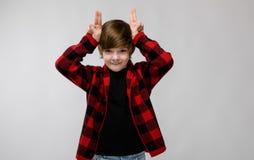 Adolescente feliz en ropa de moda Imagen de archivo