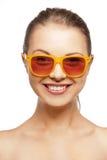 Adolescente feliz nas máscaras Fotografia de Stock Royalty Free