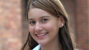 Adolescente feliz sonriente de la muchacha Imagen de archivo libre de regalías