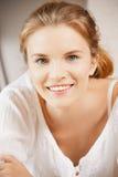 Adolescente feliz y sonriente Fotos de archivo libres de regalías