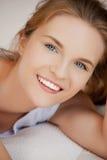 Adolescente feliz y sonriente Imagenes de archivo