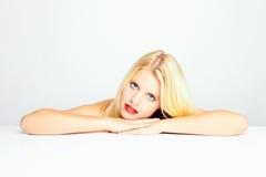Adolescente femenino atractivo Imagenes de archivo