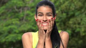 Adolescente femenino colombiano sorprendido Fotografía de archivo