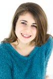 Adolescente femenino feliz sonriente aislado Imagenes de archivo