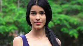 Adolescente femenino joven impasible Fotografía de archivo