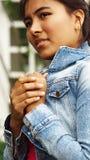 Adolescente femenino joven y miedo Foto de archivo libre de regalías